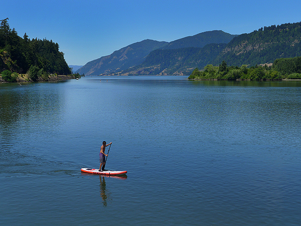 SUPing in the Columbia River Gorge