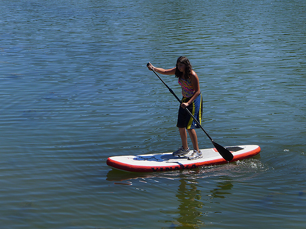 Getting the hang of standup paddling on the Columbia River
