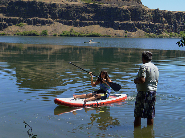 SUP and kayaking on Horsethief Lake