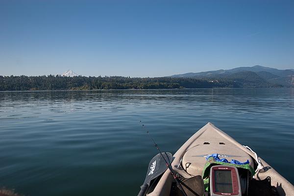 Kayak fishing for steelhead on the Columbia River