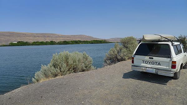Kayak fishing off the grid in eastern Oregon