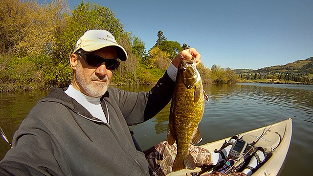 Click HERE for 2016 early spring smallmouth bass fishing on the Columbia River at www.watermanatwork.com
