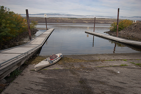 2016 salmon fishing on the Columbia River closed, boat launches are empty