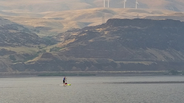 SUPer on the Columbia River on a hot and smoky August day