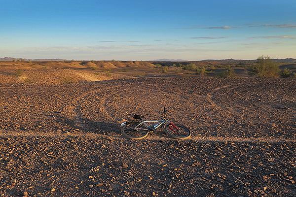 Desert singletrack near the Colorado River