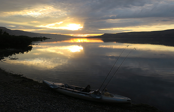 Sunrise on the Columbia River in eastern Washington