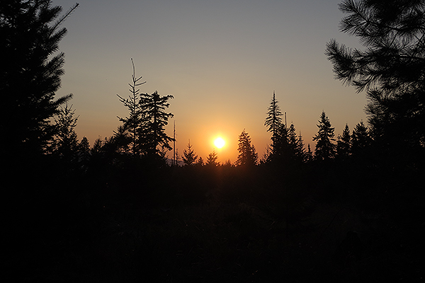 Sunrise in the Cascade Mountains on a hot summer day