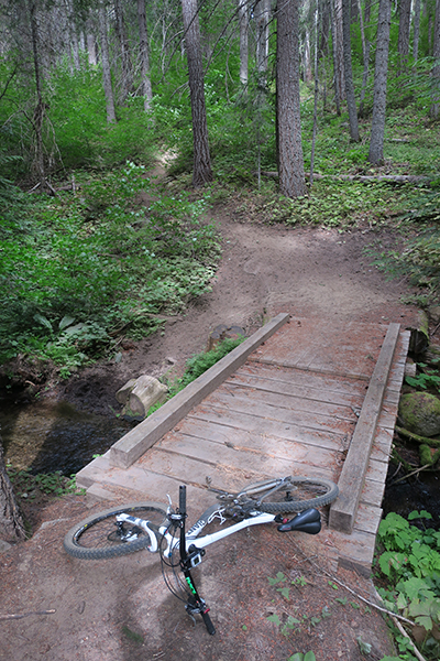 Cascade mountain singletrack mountain bike riding