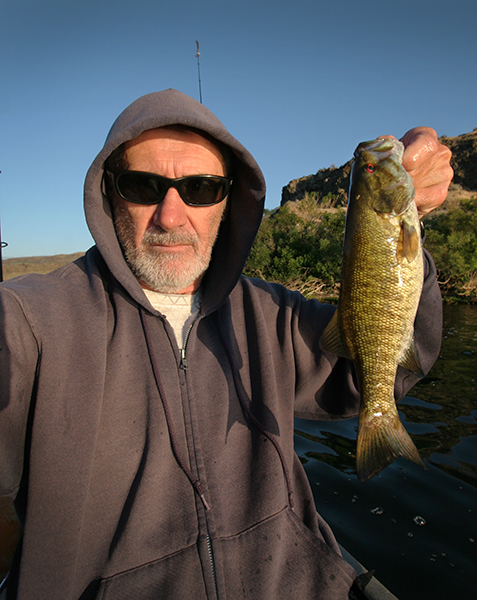 Columbia River smallmouth bass caught by watermanatwork.com kayak fisherman Ron Barbish
