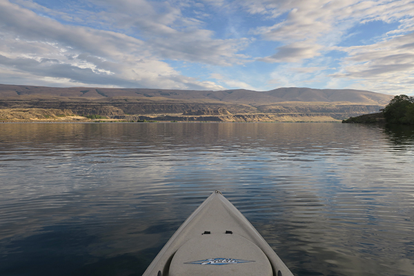 Calm wind morning kayak fishing conditions on the Columbia River 9-15-19