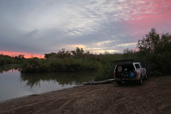A cool and cloudy morning kayak fishing on the Colorado River